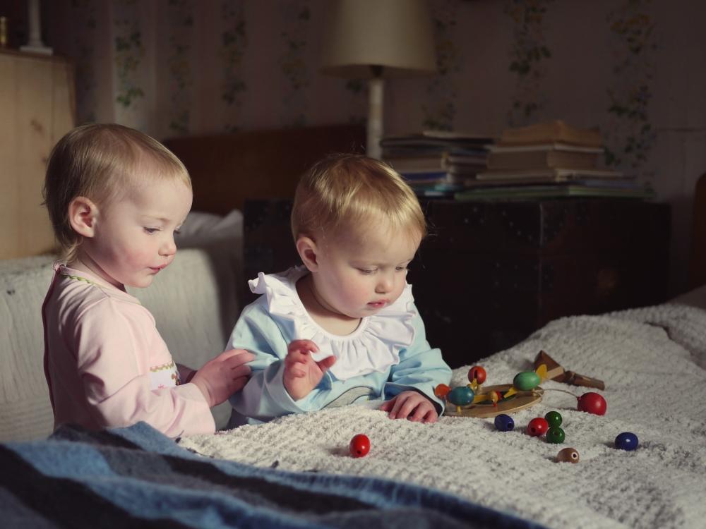 r + i babies